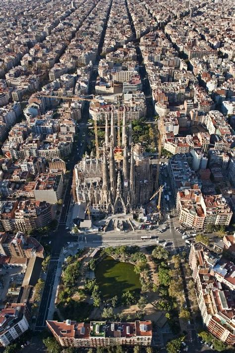 barcelona aerial view sagrada fam 237 lia aerial view en espa 241 ol pinterest