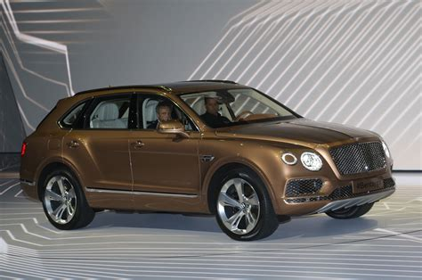 bentley suv 2017 2017 bentley bentayga suv revealed ahead of frankfurt