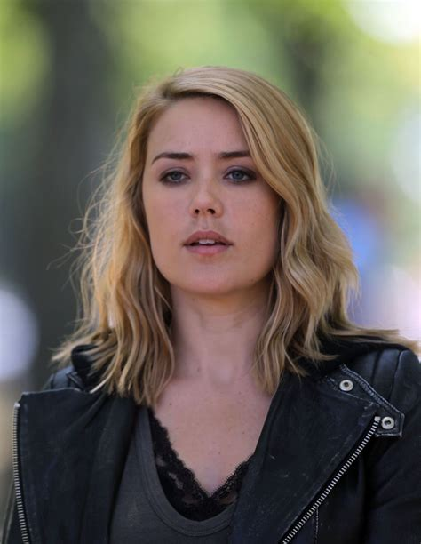 Email Blacklist Search Megan Boone On The Set Of The Blacklist Celebzz Celebzz