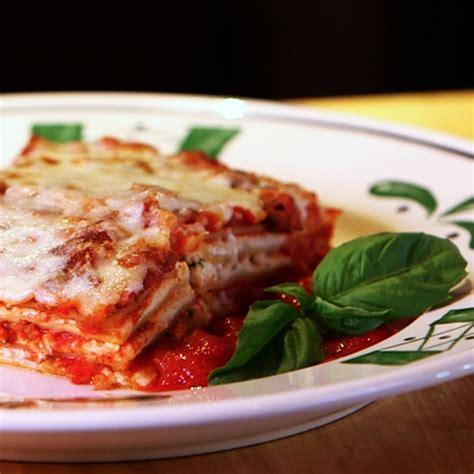 Olive Garden Best Dish by Olive Garden S Lasagna Recipe Popsugar Food