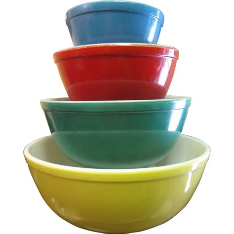 Set Vintage set of vintage pyrex primary color mixing bowls from