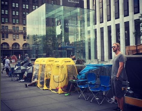 Top Tips On Attending An Iphone Launch by Waiting In Line For Iphone X Check Out These Tips Mac