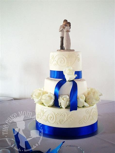 Royal Blue And Ivory Wedding Decorations by 17 Best Ideas About Royal Blue Cake On Royal