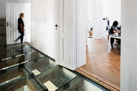 glass floor reiulf ramstad s oslo office features a transparent glass