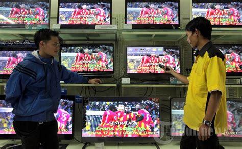 Tv Led Jalan Abc Bandung penjualan tv meningkat jelang piala dunia 2014 foto 1 1207471 tribunnews