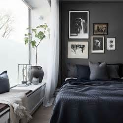 Dark Grey Bedroom by Best 25 Dark Gray Bedroom Ideas On Pinterest Grey