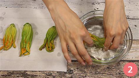 come fare pastella per fiori di zucca ricetta fiori di zucca in pastella ricetta it