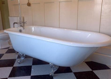 bathroom how to install a bathtub how to caulk a bathtub