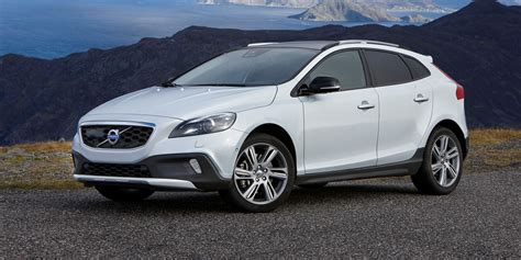 volvo v40 cross country review volvo v40 cross country review carwow