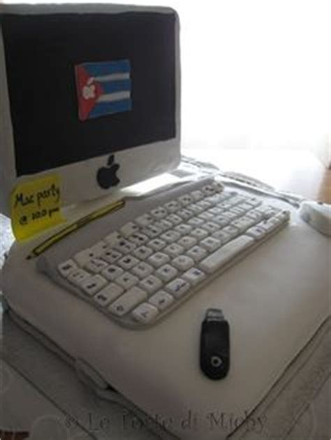 Laptop Apple Di Jepang 1000 images about torte laurea on graduation cake graduation cupcakes and fondant baby