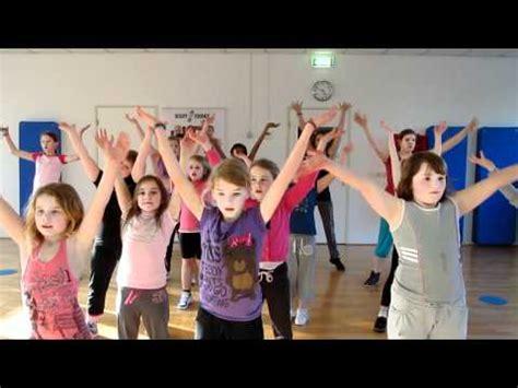 tutorial dance waka waka waka waka dance tutorial by filipino kids best videolike