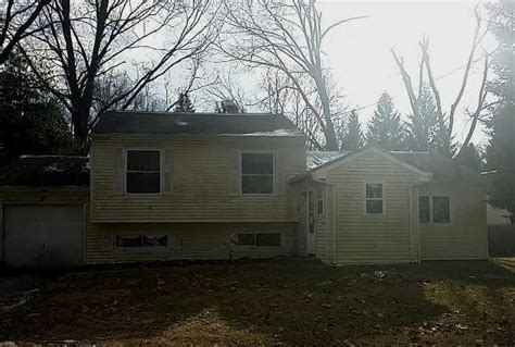 41 robin rd poughkeepsie ny 12601 reo home details