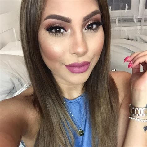 blogger beauty 21 middle eastern beauty bloggers to follow now we re