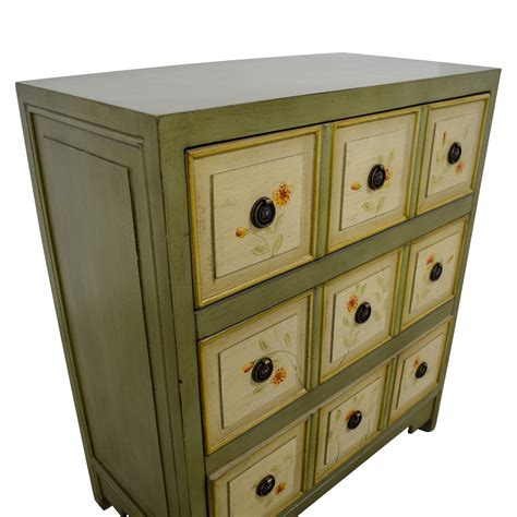 raymour flanigan china cabinet 68 off raymour flanigan raymour flanigan green