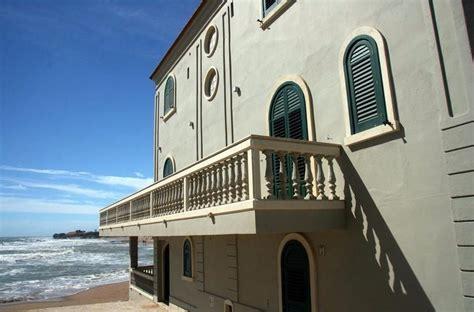 Casa Di Montalbano Punta Secca by B B La Casa Di Montalbano Punta Secca En