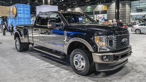 2020 Ford Duty 7 0 V8 by 2020 Ford F Series Duty Adds New Engine New Styling