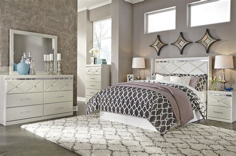 Signature Design By Ashley Dreamur Queen Bedroom Group Furniture Signature Design Bedroom Set