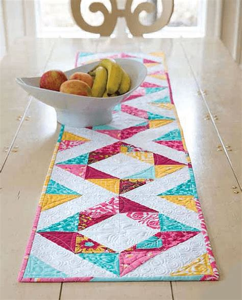 table runner quilt patterns 25 best ideas about table runner pattern on
