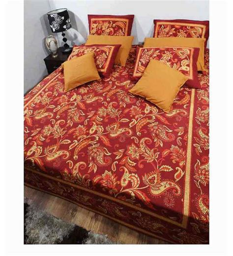 Maroon Bed Covers Heritage Fabs Artistic Maroon And Gold Bed Cover