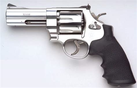 smith an dwesson smith and wesson 610 a 10mm revolver