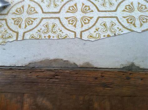 flooring   Should I peel off the top layer of vinyl in