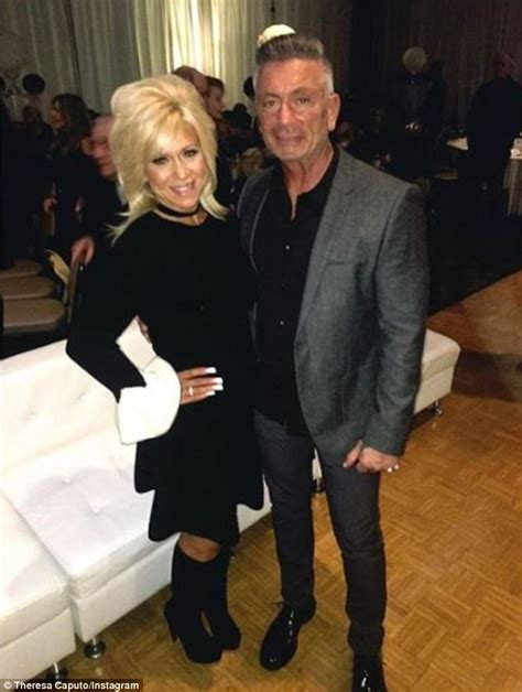 what does theresa caputos husband do theresa caputo splits from husband larry after 28 years