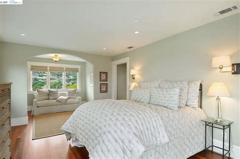 bedrooms first rockridge contemporary recently listed at 123 sheridan road