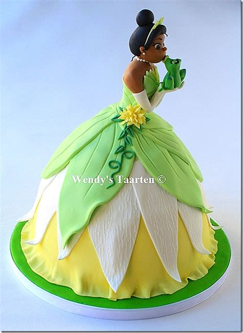 awesome princess tiana cake