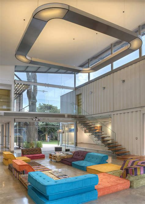 unique house     shipping containers