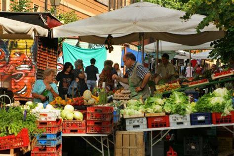 il mercatino alimentare catalogo poi appasseggio la cultura della passeggiata