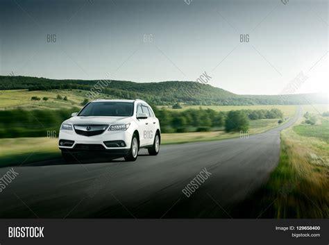 Modern Car 2015 by Saratov Russia August 11 2015 Modern Car Acura Mdx