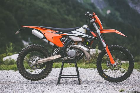 Ktm 300 Exc Review 2017 Ktm Exc 300 Look Review Derestricted