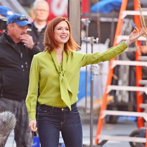 chase commercial voice actress ellie kemper filming a chase commercial 01 gotceleb
