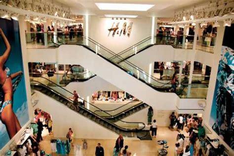 hm porta di roma negozi h m apre un nuovo mega store in centro a