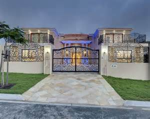 Sensational metal fence designs for luxury traditional houses luxury