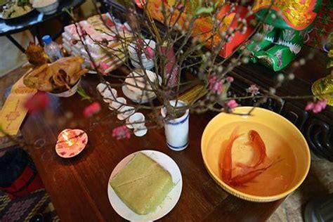 new year traditions kitchen god tet traditions honour kitchen gods news vietnamnet