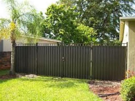 cheap backyard fence ideas inexpensive privacy fence ideas inexpensive aluminum