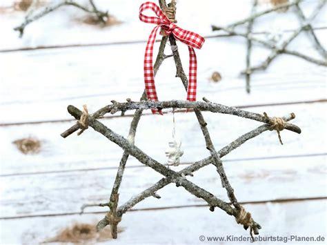 basteln mit zweigen weihnachtssterne aus zweigen kindergeburtstag planen de