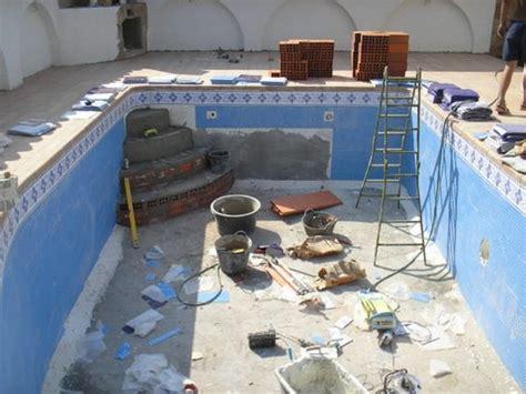 Pool Selber Bauen Fliesen 1486 by Pool Fliesen Verlegen Baufuchs2010 De