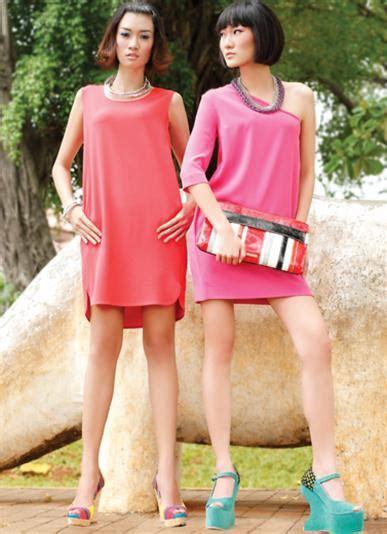 Gaun Mango saatnya gaun boxy beraksi