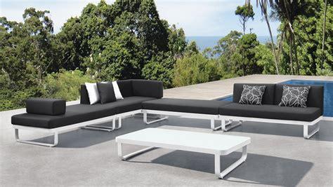 mobilier de jardin en les mat 233 riaux de mobilier de jardin parlons maison