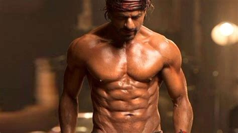 Shah Rukh Khan tells you how to get his 8-pack abs ...
