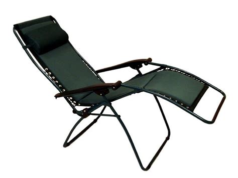 Zero Gravity Padded Reclining Patio / Lounge Chair Photo