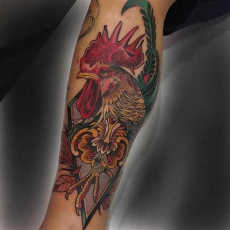 tatouage jambe coq par blessed tattoo