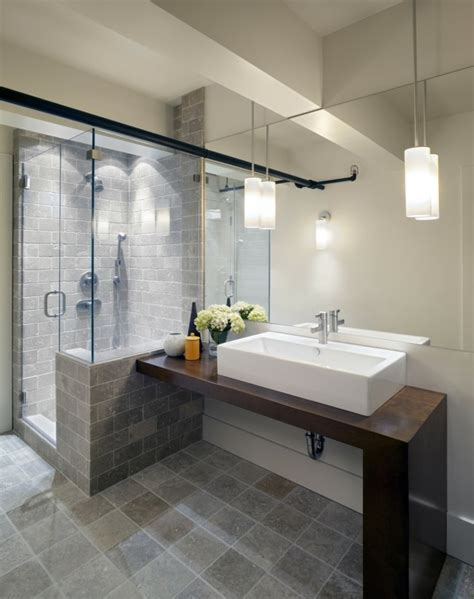 paroi de douche et cabine de douche modernes