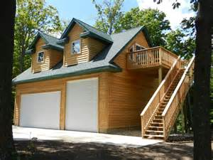 Garage Designs With Living Space Above Custom Garages With Living Quarters Galleryhip Com The