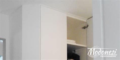mobile su misura mobile su misura effetto nicchia in anticamera casa a