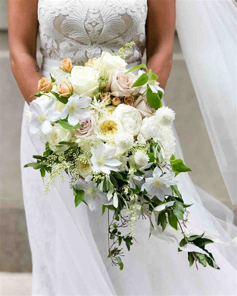 wedding flower ideas pictures 32 chic cascading wedding bouquets martha stewart weddings
