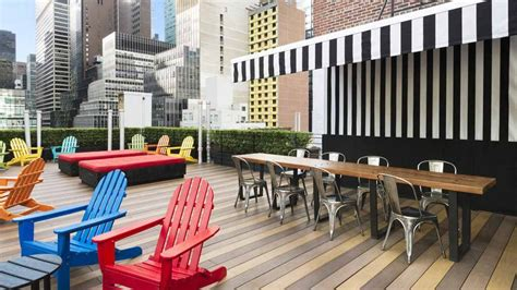 roof top bars new york city best rooftop bars in new york city to drink