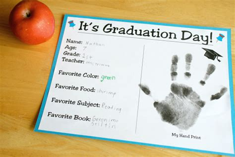 themes for kindergarten graduation day two ways to celebrate graduation day make and takes